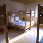 Mehrbettzimmer mit Stockbetten - 20 Betten stehen zur Verfügung